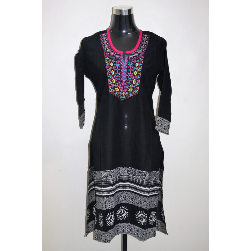 Elegant Machine Embroidered Printed Cotton Kurti